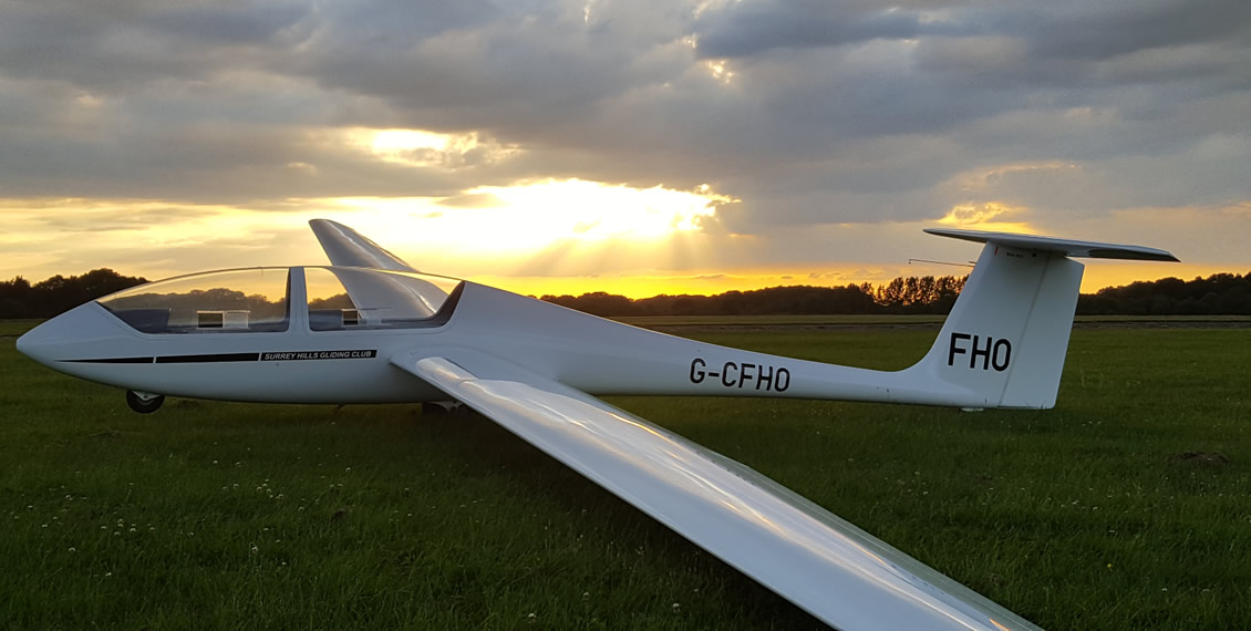 Surrey Gliding Club - Learn to fly in Surrey and London